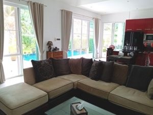 Red-Mounatin-villa-for-sale